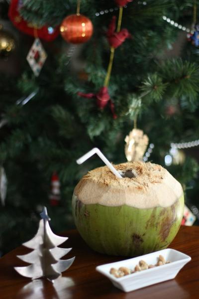 Tropical treats for Santa